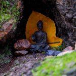 Kleiner Buddha im Wald © Lars Baus 2013